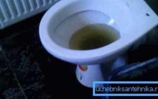 Что делать с самопроизвольным сливом воды в унитазе?